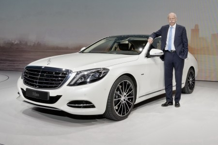 Daimler CEO Dr. Dieter Zetsche buys shares of around 1.2 million euros