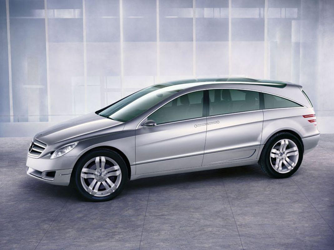 Mercedes-GST-1