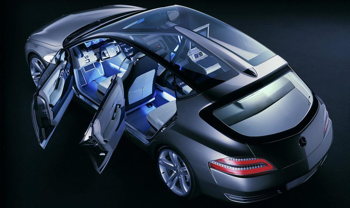 Mercedes-Benz F 500 – un laborator pe roți