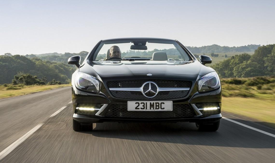 Mercedes-Benz SL 400 testat de Car Magazine
