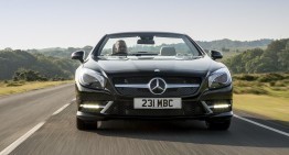 Mercedes-Benz SL 400 testat de Car Magazine