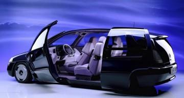 Conceptul Mercedes F100: un MPV extraterestru