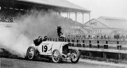 Noaptea recordurilor la Muzeul Mercedes-Benz
