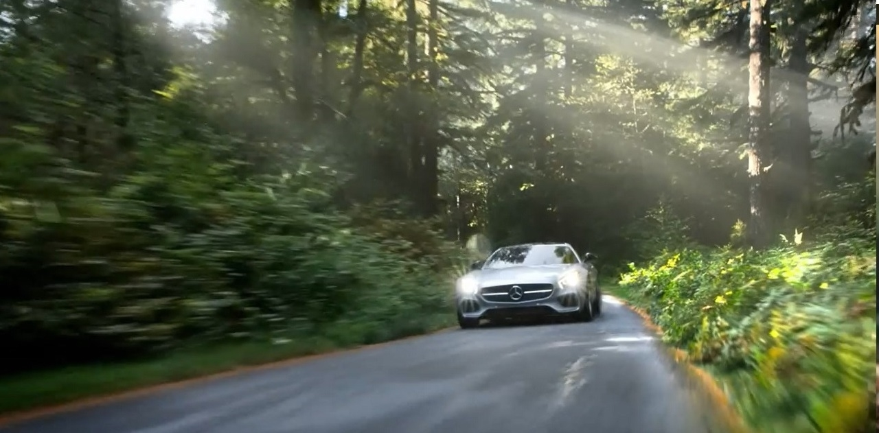 reclama Mercedes-Benz