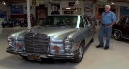 VIDEO: Jay Leno, la plimbare cu Mercedes-Benz 300 SEL 6.3 din 1972