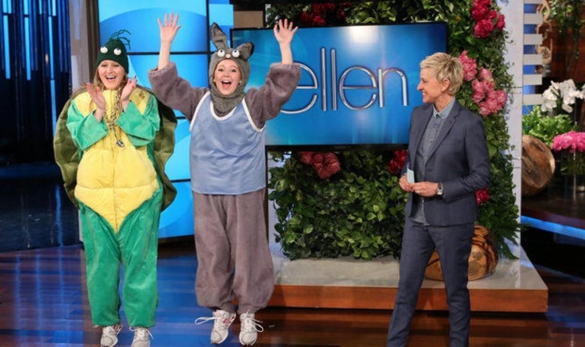 Sărbătorita Ellen Degeneres dă Mercedes-uri drept cadouri