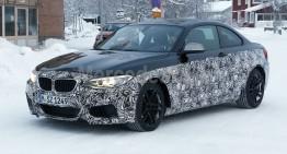 BMW M2 Coupe spionat în timpul testelor în Germania