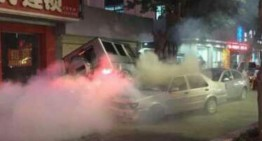 Șoferul unui Mercedes-Benz G55 AMG lovește șase mașini în China