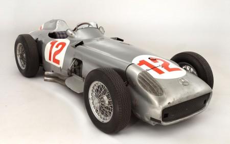 juan-fangio-F1-racer
