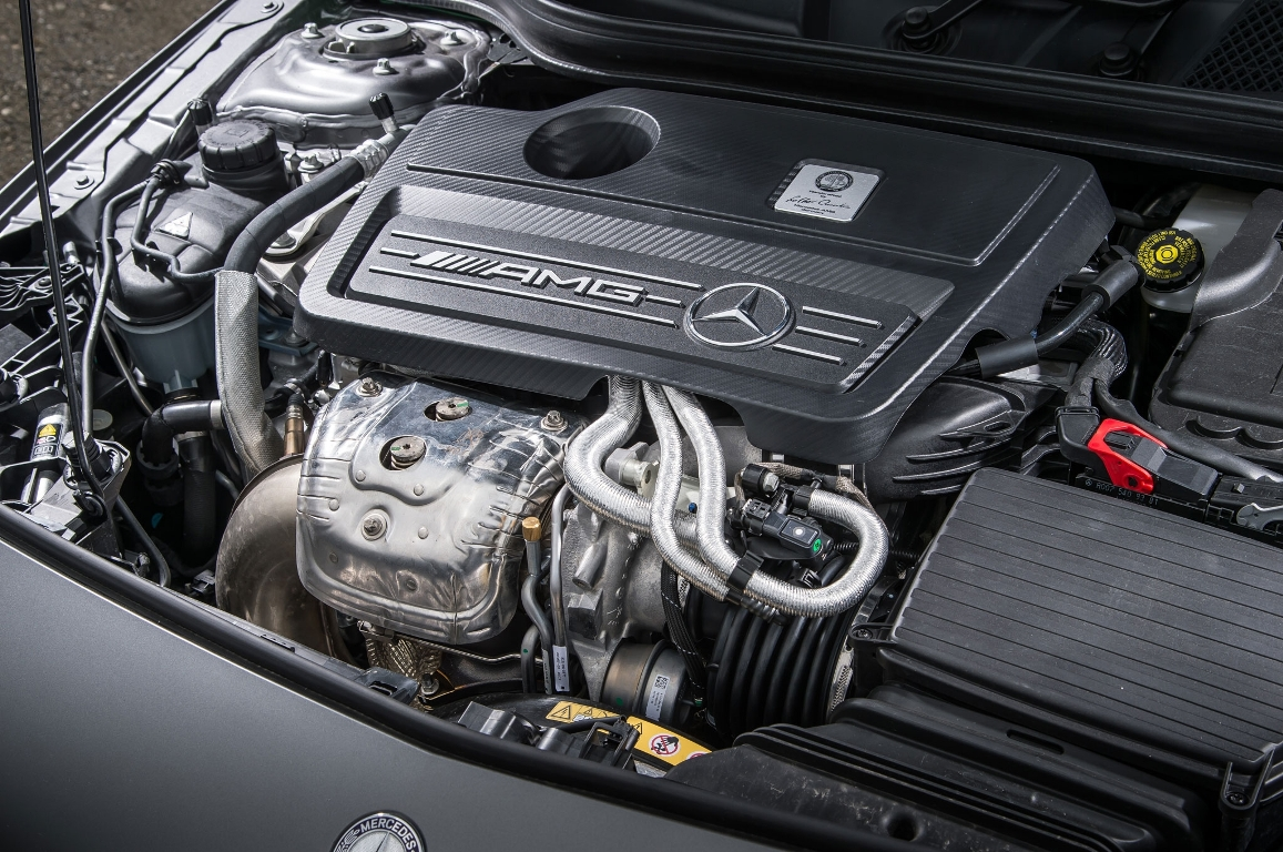 mercedes-benz-a45-amg-engine-2