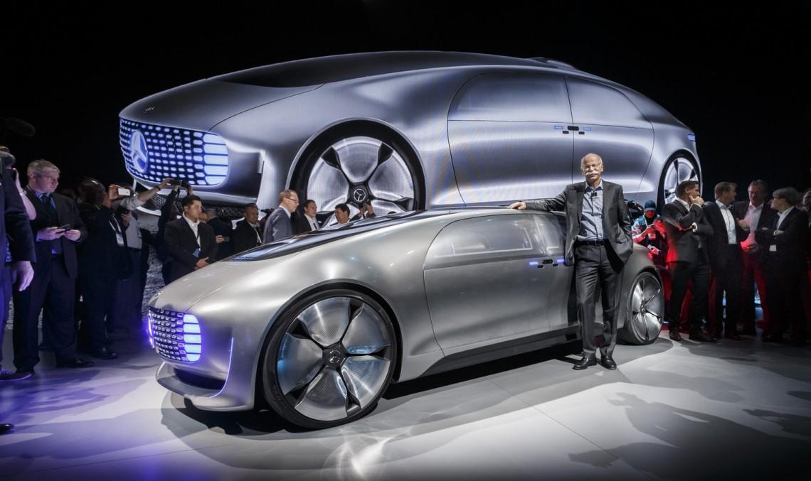 Șeful Daimler Dieter Zetsche pune la cale o alianță cu Apple și Google