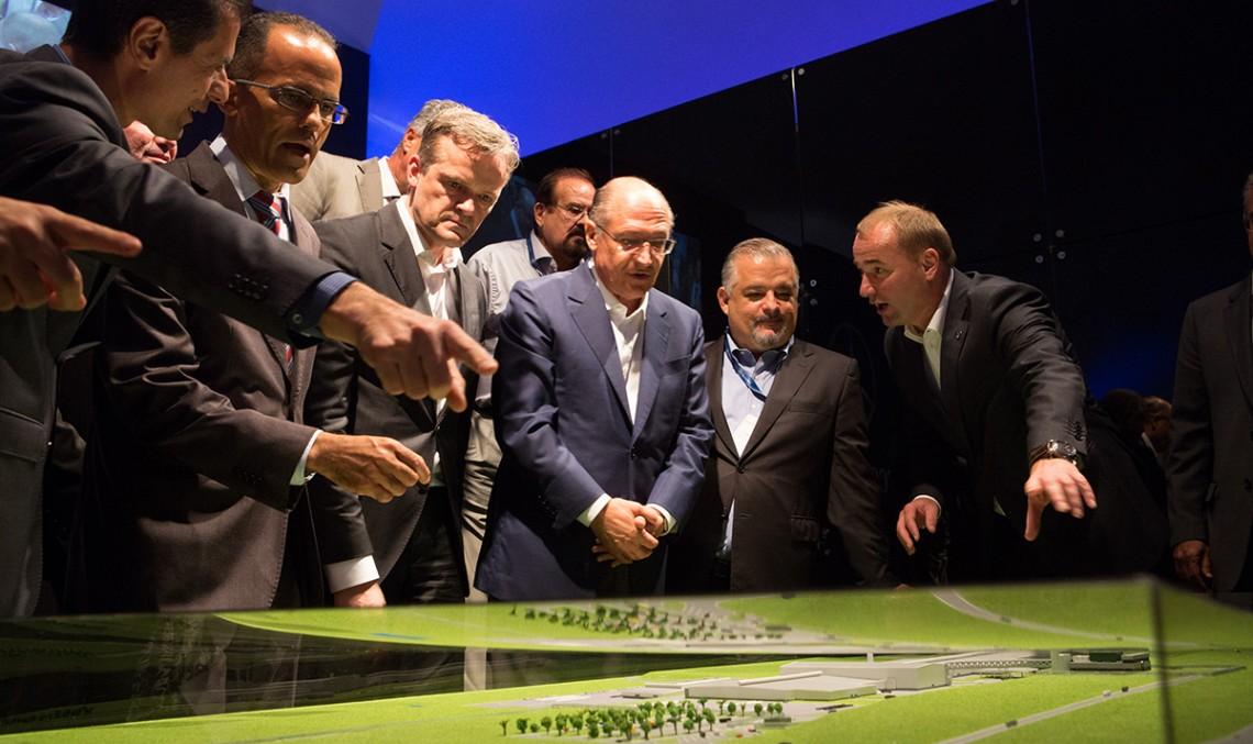 Mercedes-Benz inaugurează o nouă uzină în Brazilia