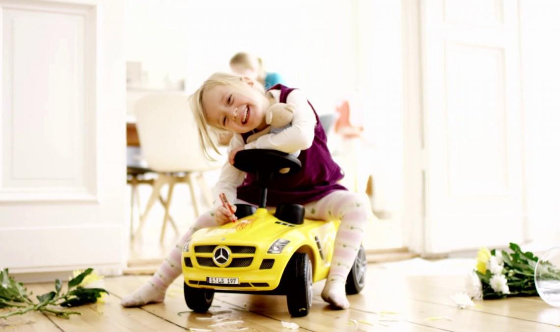 Mercedes-Benz AccidentRepair – Pentru că nu poți acoperi zgârieturile cu stickere colorate