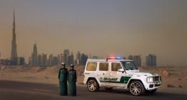 Super mașini de poliție în orașul super bogaților