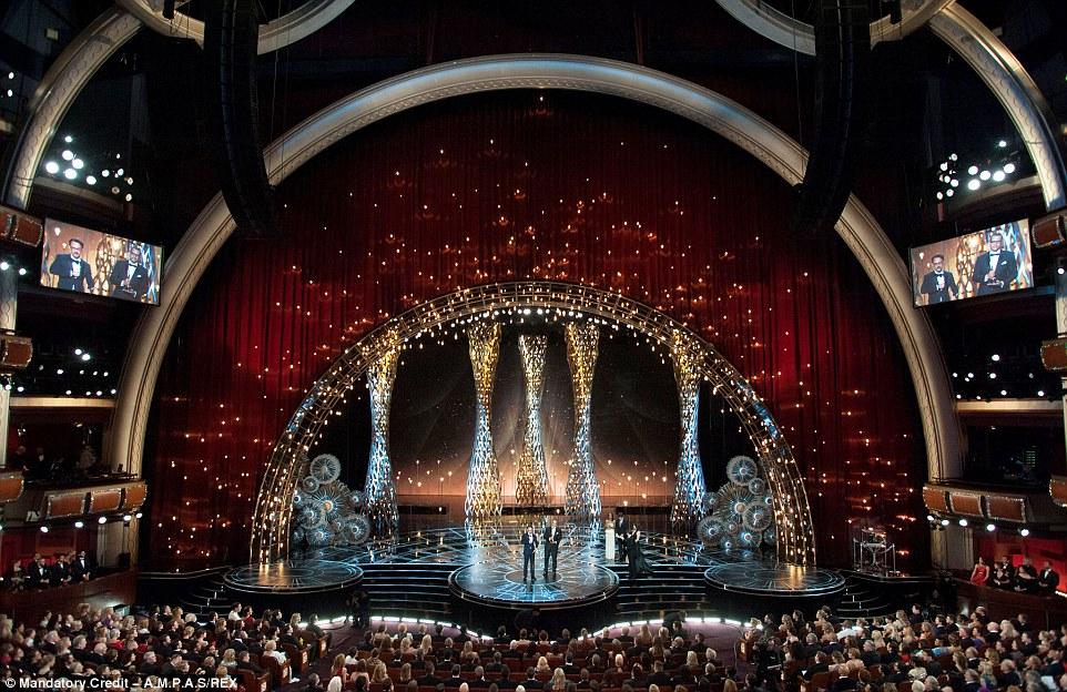 Și premiul Oscar merge la… Mercedes-Benz