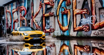 Mercedes AMG GT face valuri la Berlin