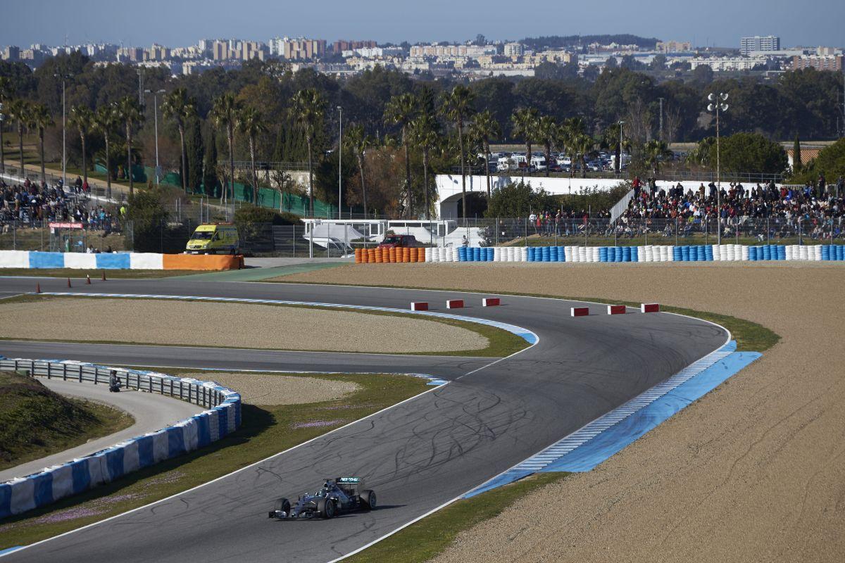 Mercedes AMG Petronas teste 4
