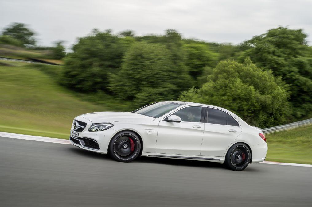 Primul videoclip oficial Mercedes C 63 AMG S