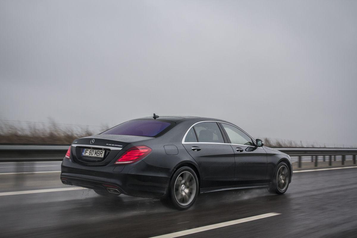 Mercedes S 500 Plug-In Hybrid vs S 350 BlueTec 30