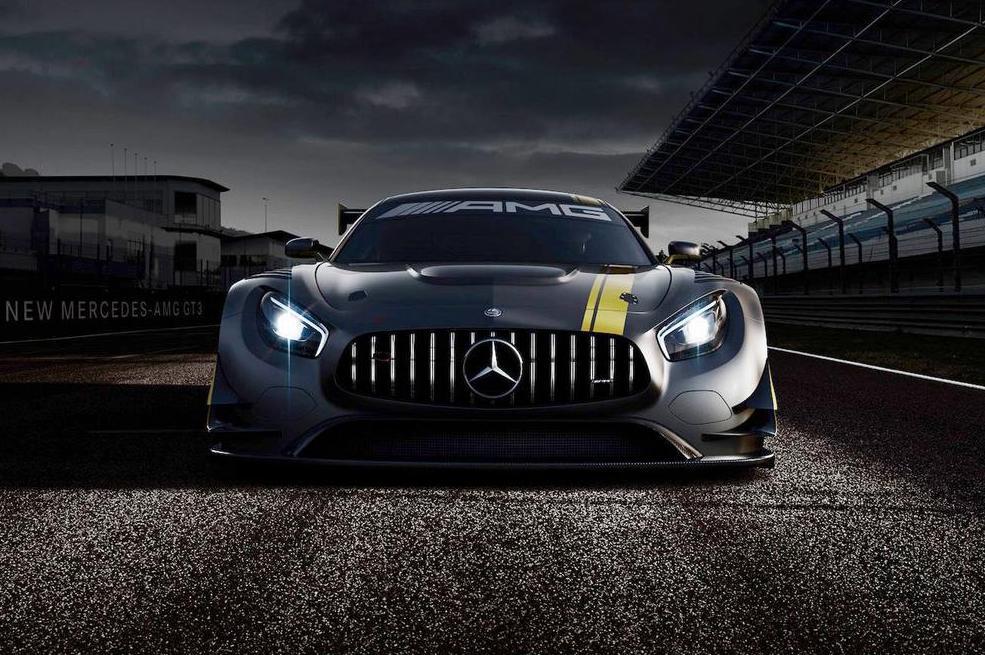 Primele imagini cu cel mai fioros Benz din istorie – Mercedes-AMG GT3