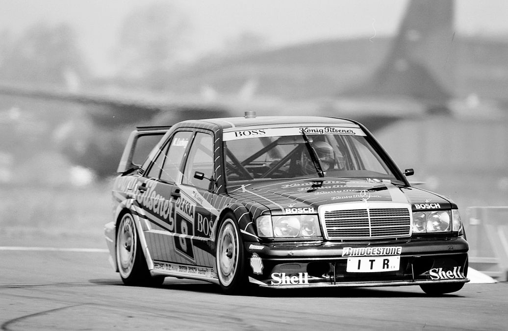 25 de ani de Mercedes-Benz 190 E 2.5-16 Evolution II