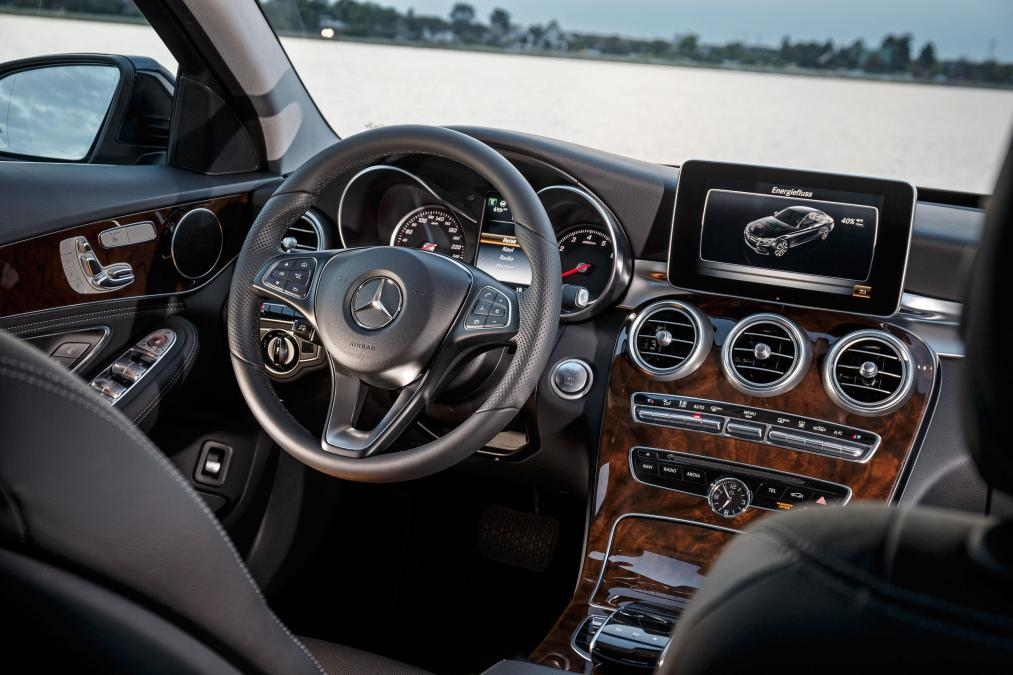 Mercedes-C350e-plug-in-hybrid-5