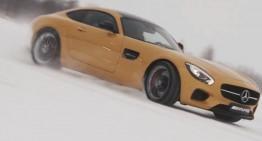 Mikko Hirvonen face drifturi cu Mercedes-AMG GT S pe un lac înghețat