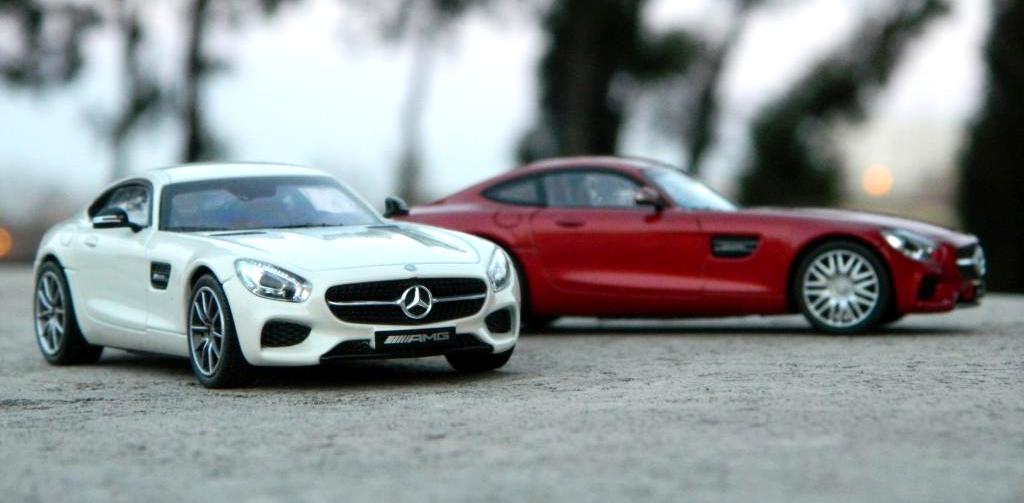 Prezentare Mercedes-AMG GT 1:43 – noua colecție de accesorii originale