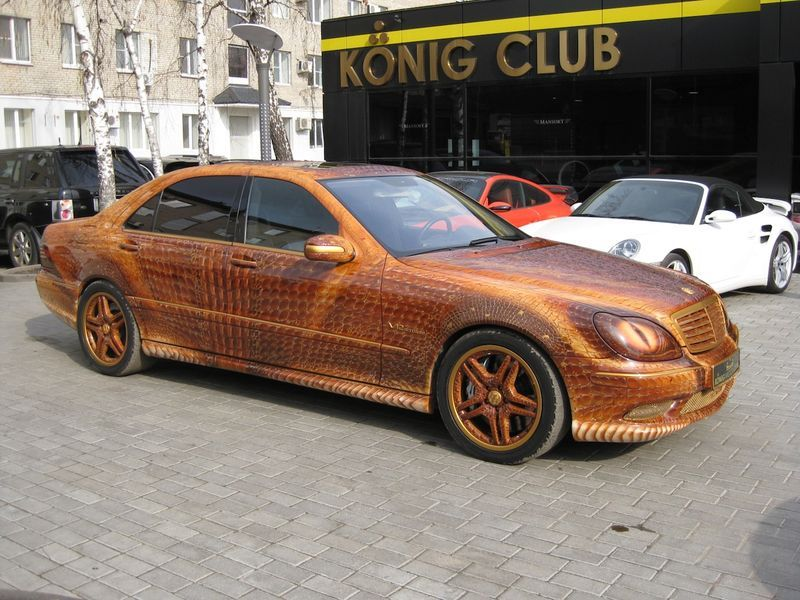 "Mercedes ""Dragon"" S-Class scoate fum pe nări"
