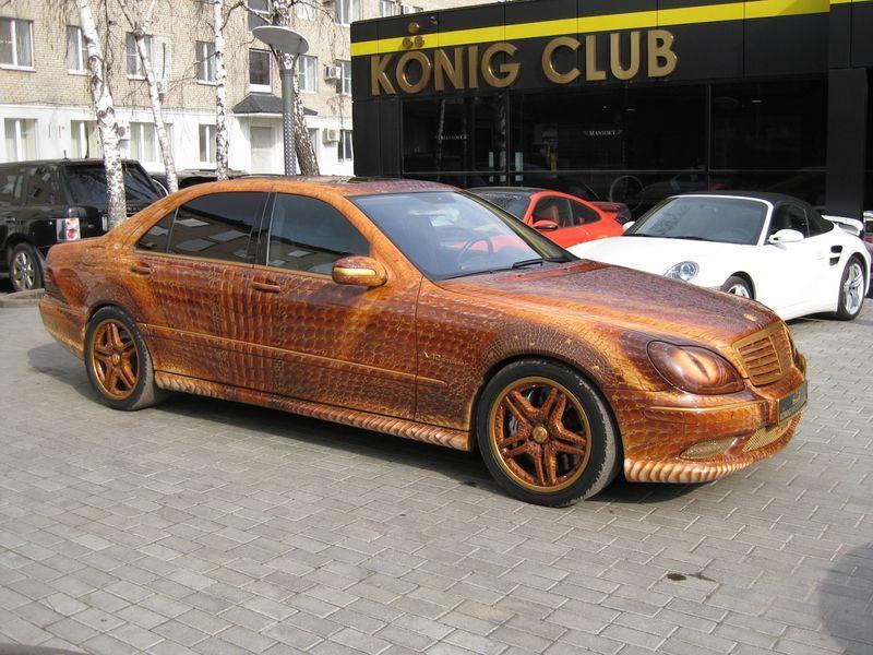 """Mercedes """"Dragon"""" S-Class scoate fum pe nări"""