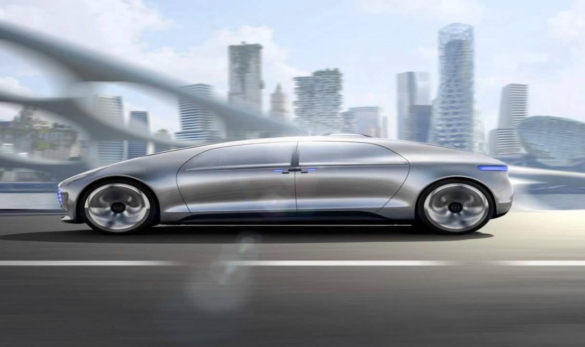 F015 Luxury in Motion. Un test drive fără șofer