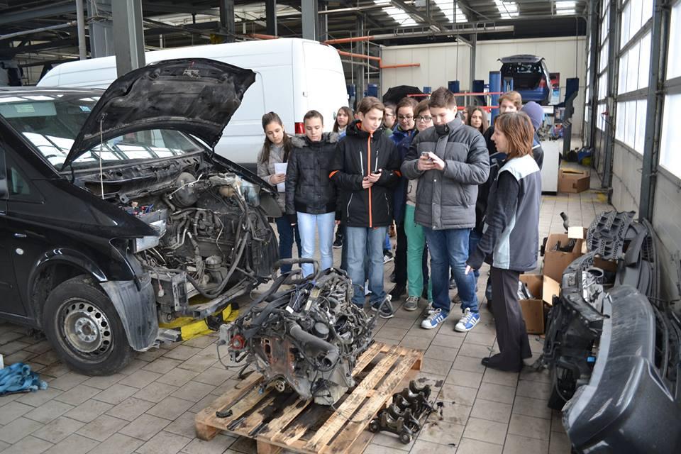 """Lecție despre istoria Mercedes Benz la Auto Schunn, în săptămâna """"Școala Altfel"""""""