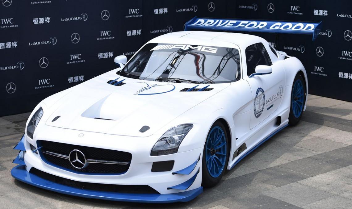 Mercedes-AMG SLS GT3 cu numărul 100 donat organizației Laureus