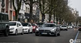 Mercedes-AMG GT S surprins în trafic la Düsseldorf. Să fie gălăgie!