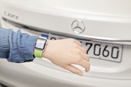 MercedesAppleWatch-02-2