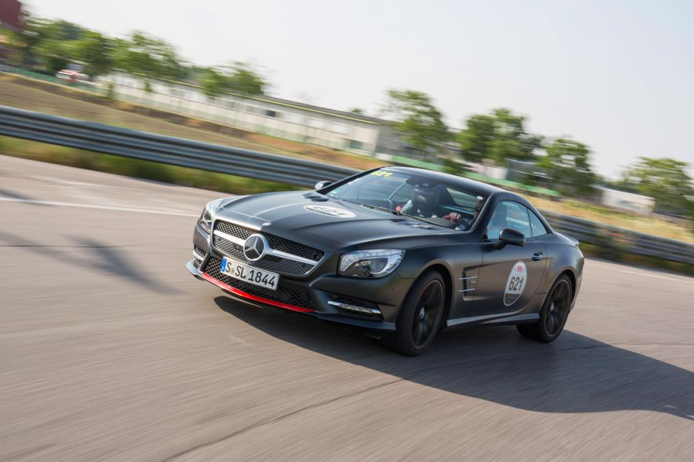 Mercedes SL 417, omagiu adus cursei de la Mille Miglia. Primul TEST