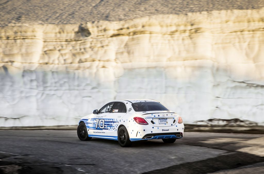 Mercedes C 300d 4Matic stabilește un nou record pentru un diesel la Pikes Peak