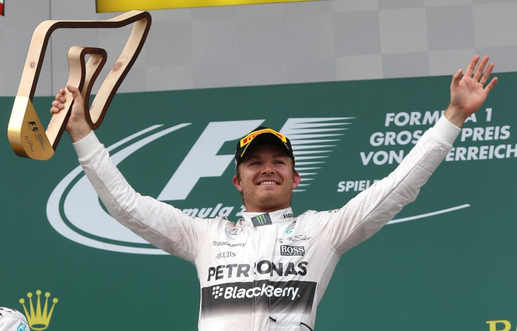 N-au nimerit numele învingătorului! Hamilton a câștigat Marele Premiu al Austriei într-o revistă