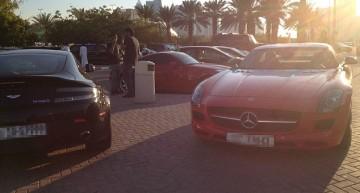 Parcarea Universității Americane de la Dubai arată de parcă ar fi salon auto!