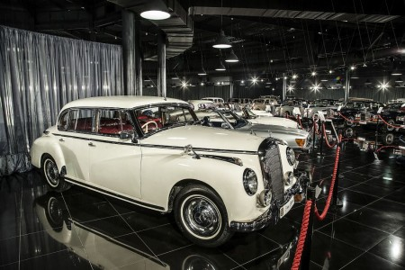 Tiriac-collection-mercedes-220-Adenauer2