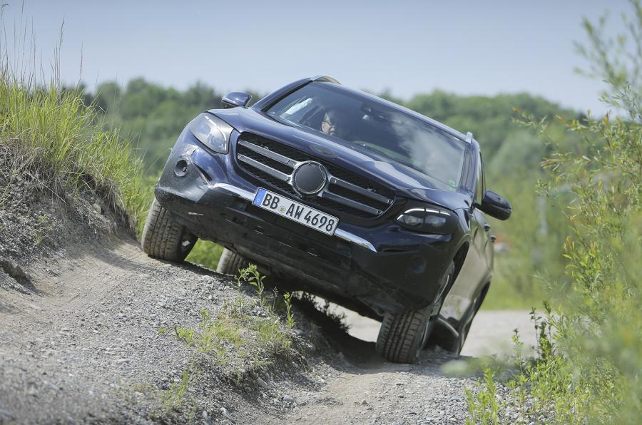 LIVE STREAM lansare oficială Mercedes GLC