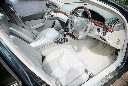 Elton John Mercedes S600L