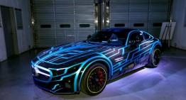 """Mercedes futurist apare în filmul """"Kamen Rider"""""""
