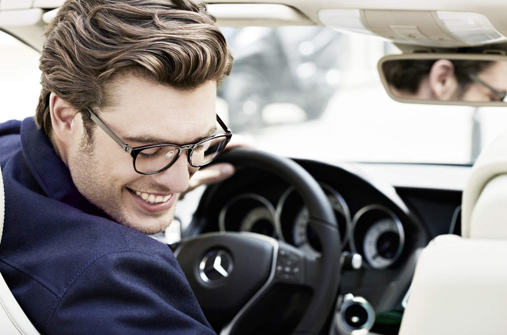 Viața se vede premium prin ochelarii Mercedes-Benz