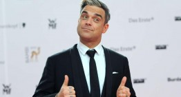 Robbie Williams ar putea lucra pentru Mercedes-Benz. VIDEO
