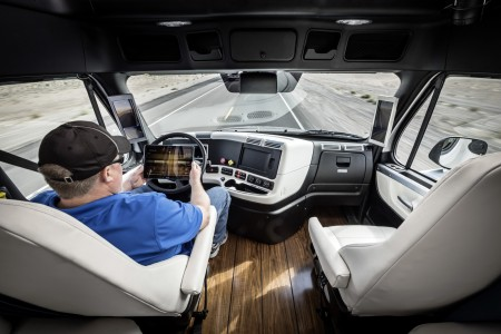 daimler-self-driving-trucks