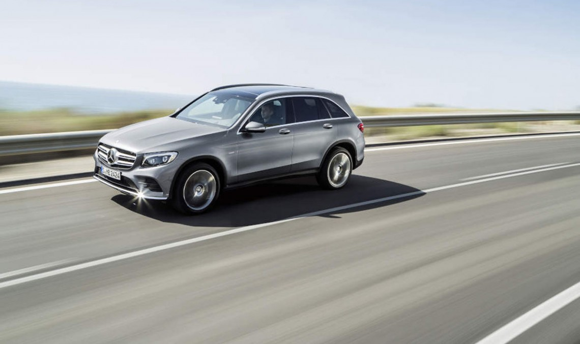 O grămadă de fotografii noi cu Mercedes-Benz GLC