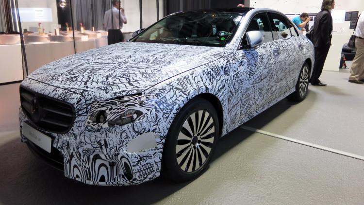 Viitoarea generație E-Class este apogeul tehnologiei în industria auto