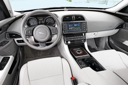 jaguar-xe-mercedesblog.com-2