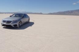 "Un Mercedes-AMG S63 pe ""circuitul"" de sare de la Bonneville"